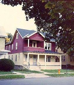 A 1985 photo of the house where I roomed in 1969-70
